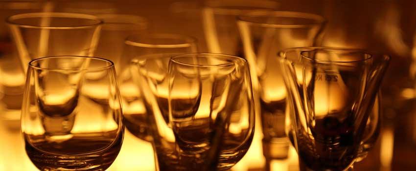 borddækning til konfirmation kræver de rigtige glas