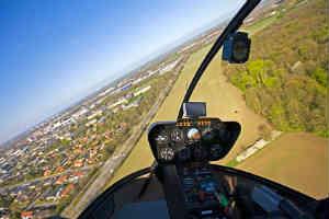giv den eksklusive helikopter rundflyvnings oplevelse til ham