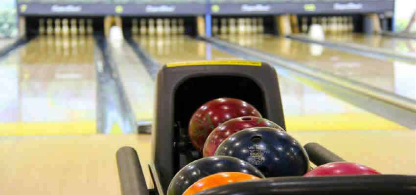 bowling er altid sjov til blå mandag i Odense