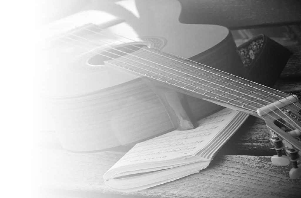 Konfirmationstale eller konfirmationssang – Hvad skal du vælge?
